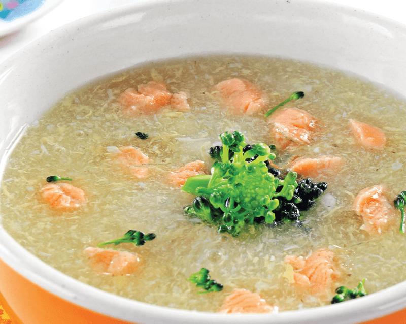 Cải bó xôi nấu cùng hải sản là thực phẩm hạn chế chiều cao của trẻ