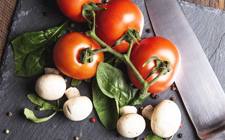 Bổ sung cà chua vào thực đơn hàng ngày là bí quyết sinh con trai chị em nên biết