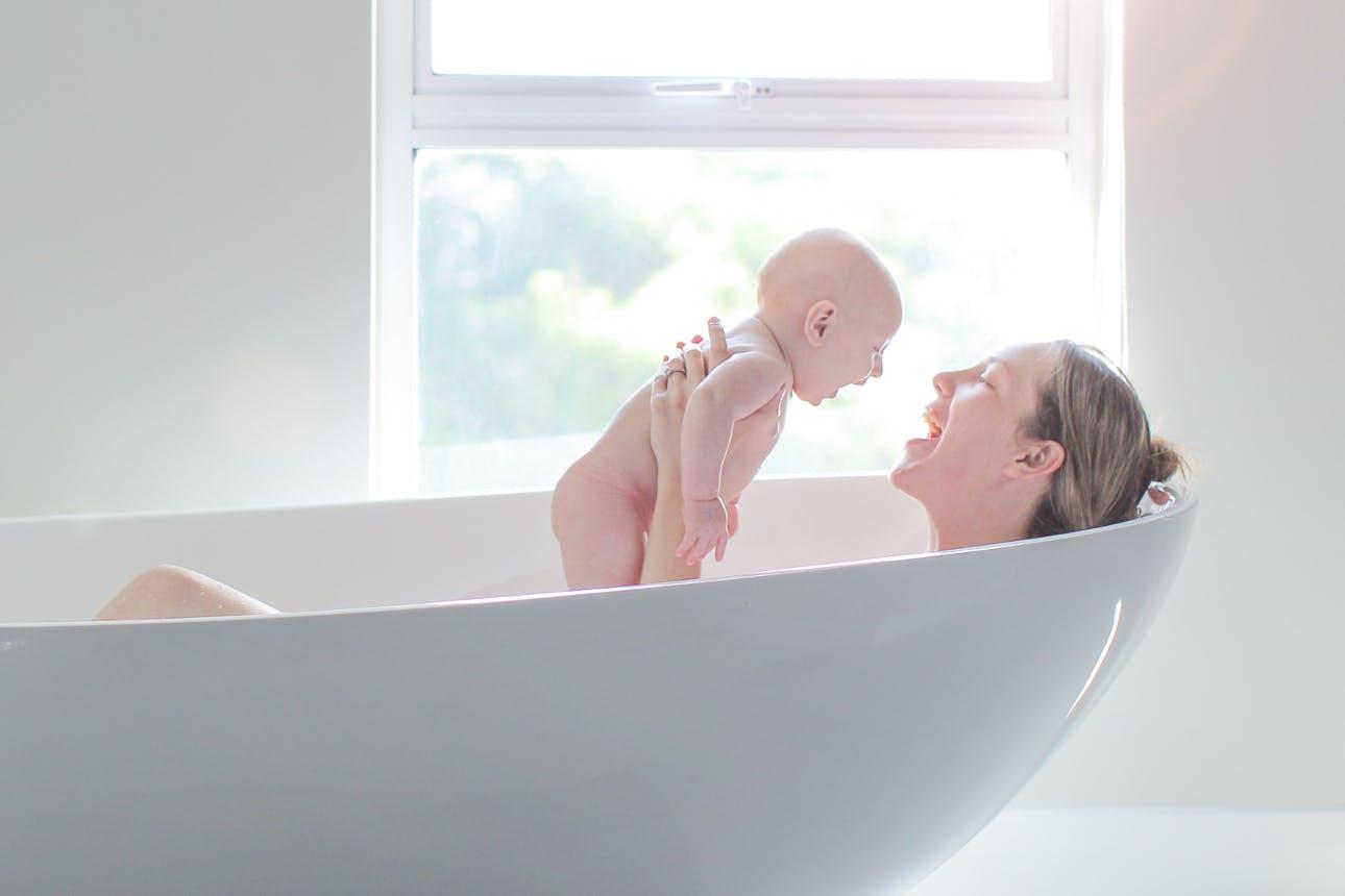Chọn lá tắm sau sinh an toàn là cực kỳ quan trọng