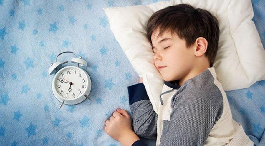 dạy trẻ tự thức dậy