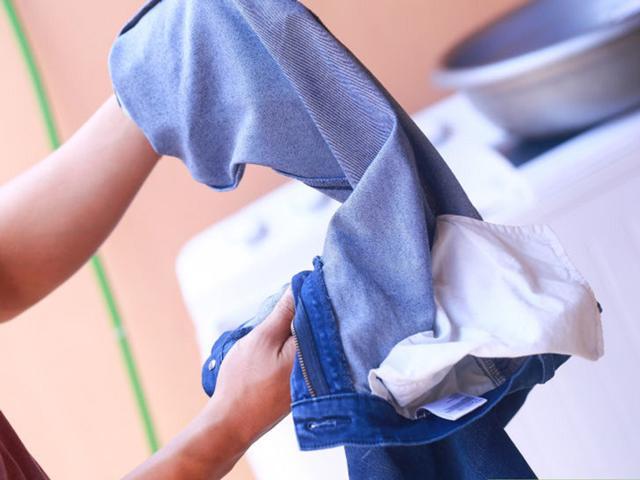 giữ quần jean bền màu