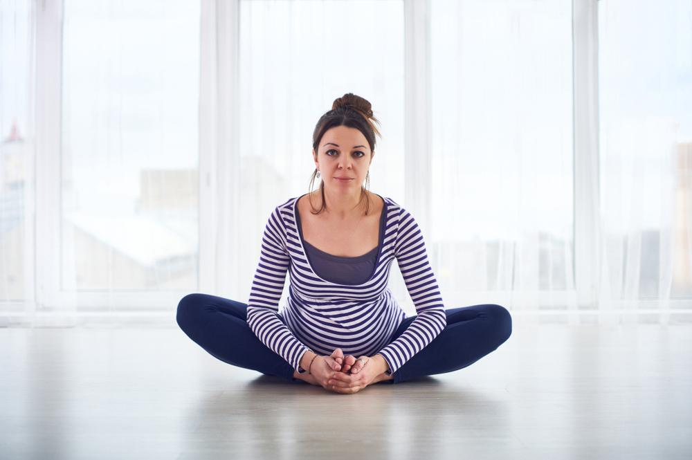 Mách mẹ bầu 3 tháng cuối 8 bài tập yoga giúp dễ dàng vượt cạn