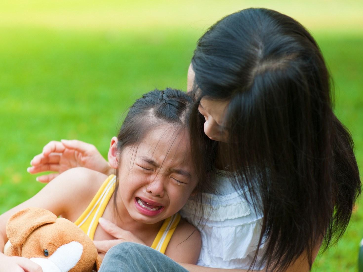 Nếu cha mẹ nuôi dạy trẻ theo cách này: Bảo sao con không chịu nghe lời!