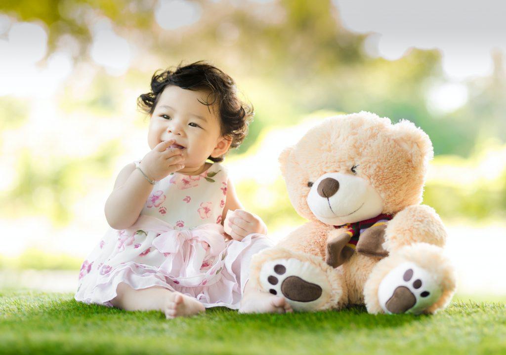 Đeo trang sức bạc cho con mang lại nhiều lợi ích về sức khỏe