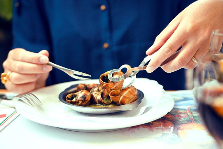 Bà bầu có ăn ốc được không? Ăn ốc là đẻ con ra ít nói, nhiều rớt dãi đúng hay sai?