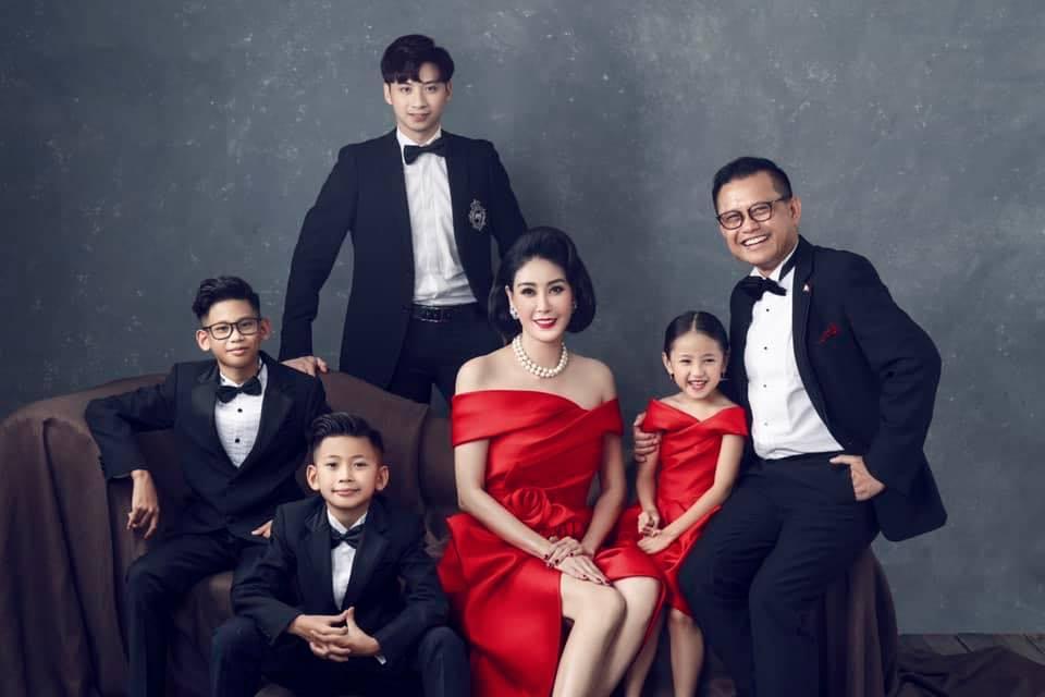 Tổ ấm hạnh phúc của Hà Kiều Anh