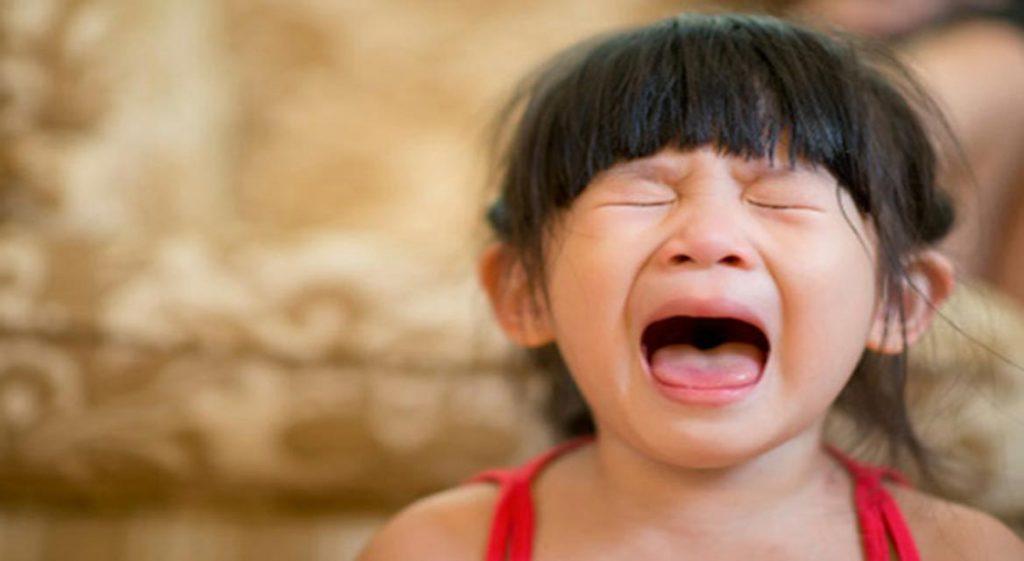 Khủng hoảng tuổi lên 3 là giai đoạn khiến nhiều bố mẹ bối rối, hoảng sợ.