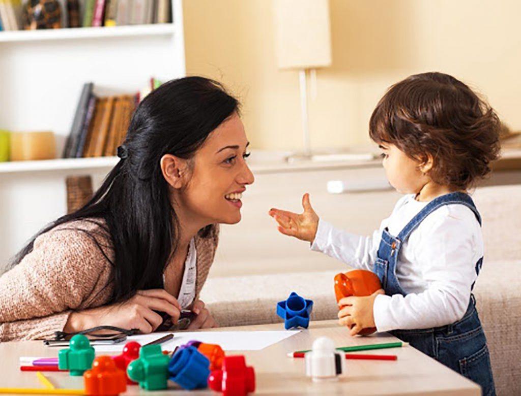 Bố mẹ cần có nhiều biện pháp ứng phó để cùng con vượt qua khủng hoảng tuổi lên 3 thuận lợi.