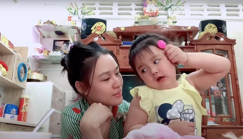 Linh Lan và con gái Helen
