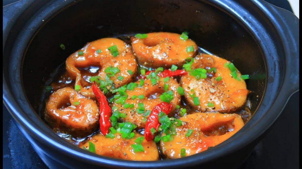 Cá kho là món ăn ngon, quen thuộc trong các bữa cơm gia đình Việt