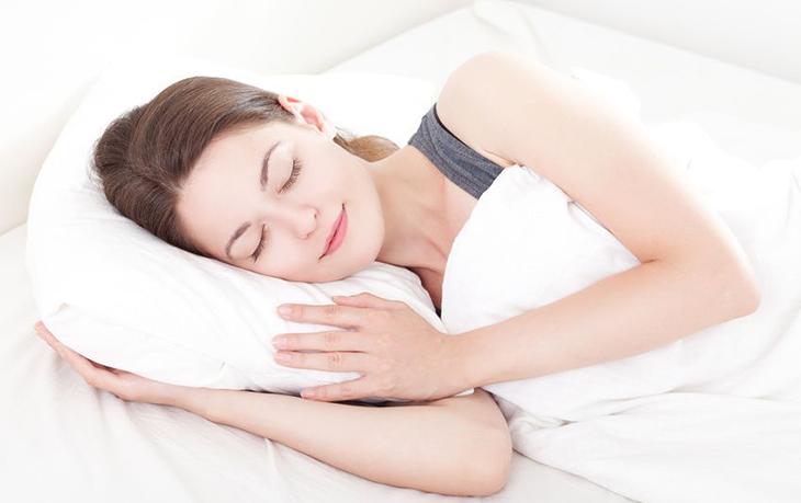 Các tư thế ngủ tốt cho sức khỏe tim mạch của bạn