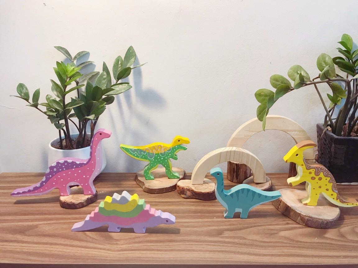Cô gái 9X Hà Nội biến gỗ vụn thành đồ chơi cho trẻ em
