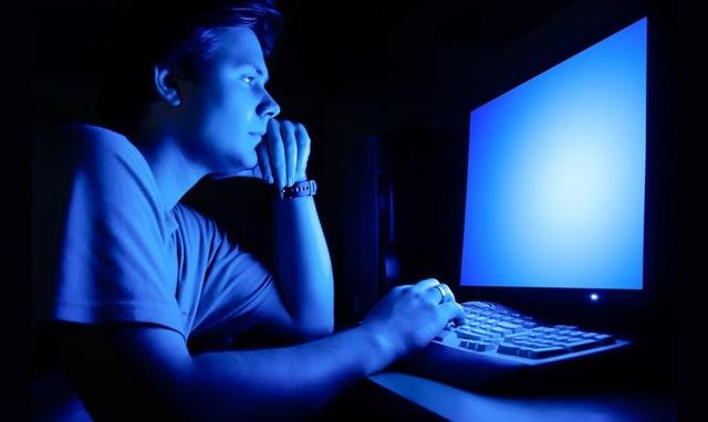Ánh sáng xanh là gì? Ánh sáng xanh ảnh hưởng đến mắt như thế nào?