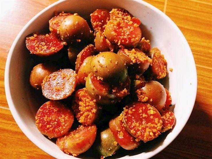 Cách làm mận lắc muối ớt siêu dễ ăn siêu ngon tại nhà