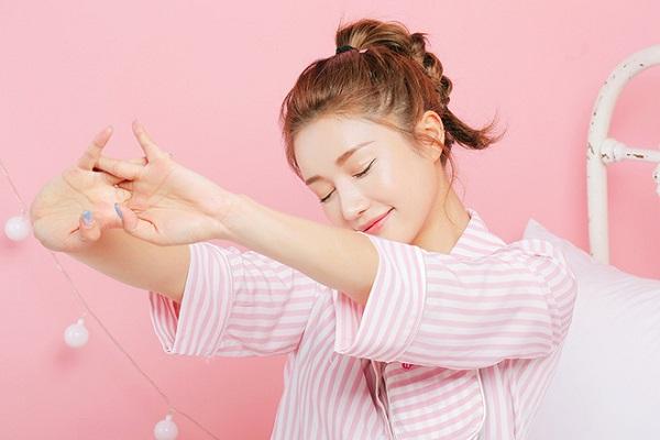 Chăm sóc da buổi sáng: Những việc cần làm và không nên để tránh lão hóa