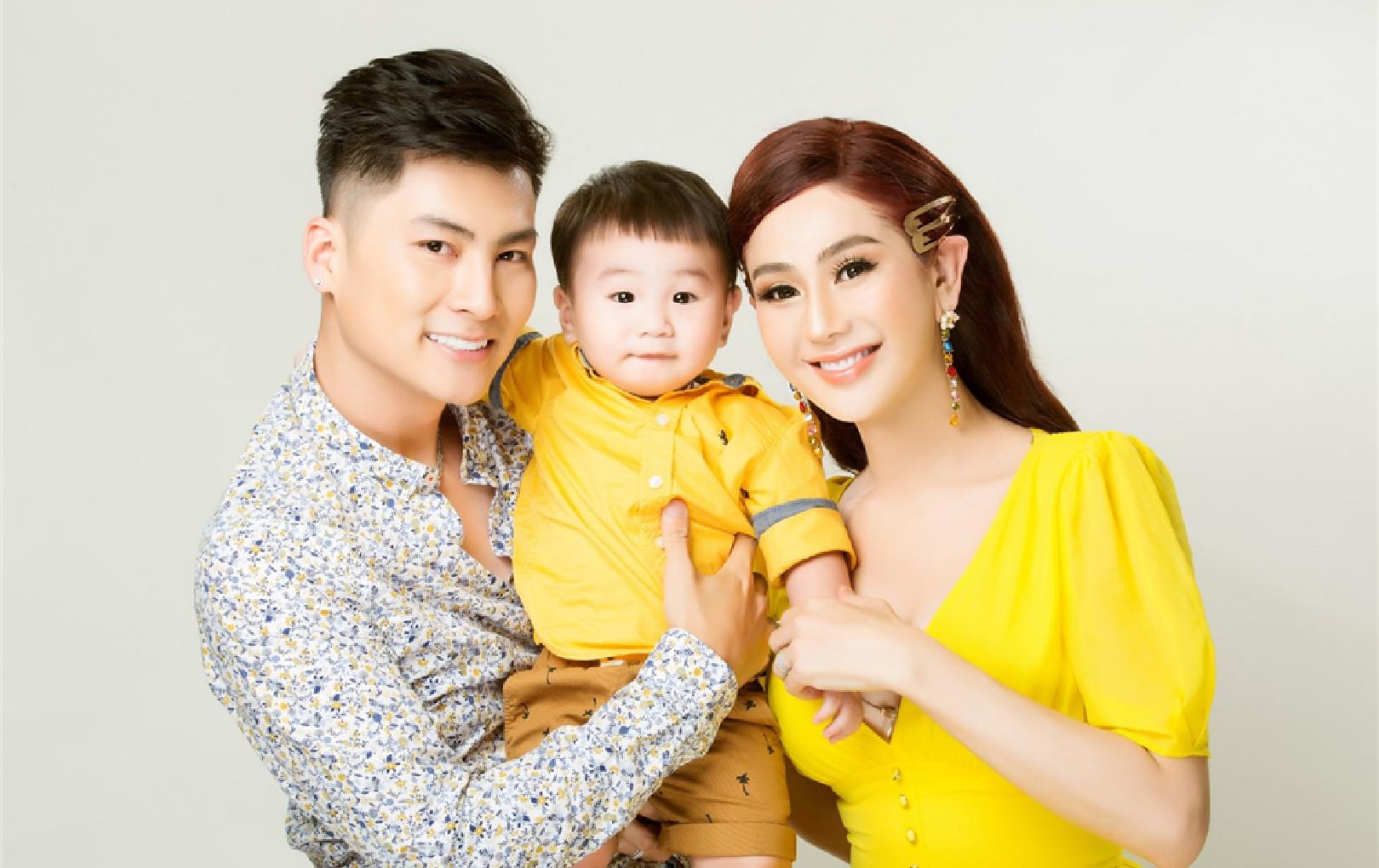 Chồng Lâm Khánh Chi nghiện điện tử bị dọa xé giấy hôn thú