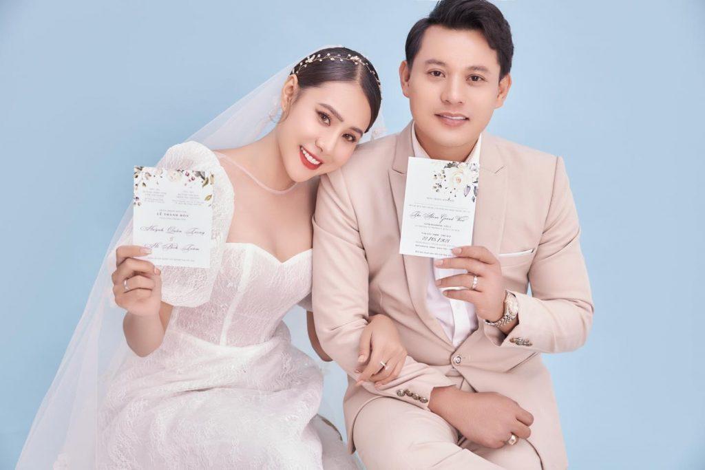 Dịch covid 19 khiến Hồ Bích Trâm phải hoãn lễ cưới và lễ ra mắt phim