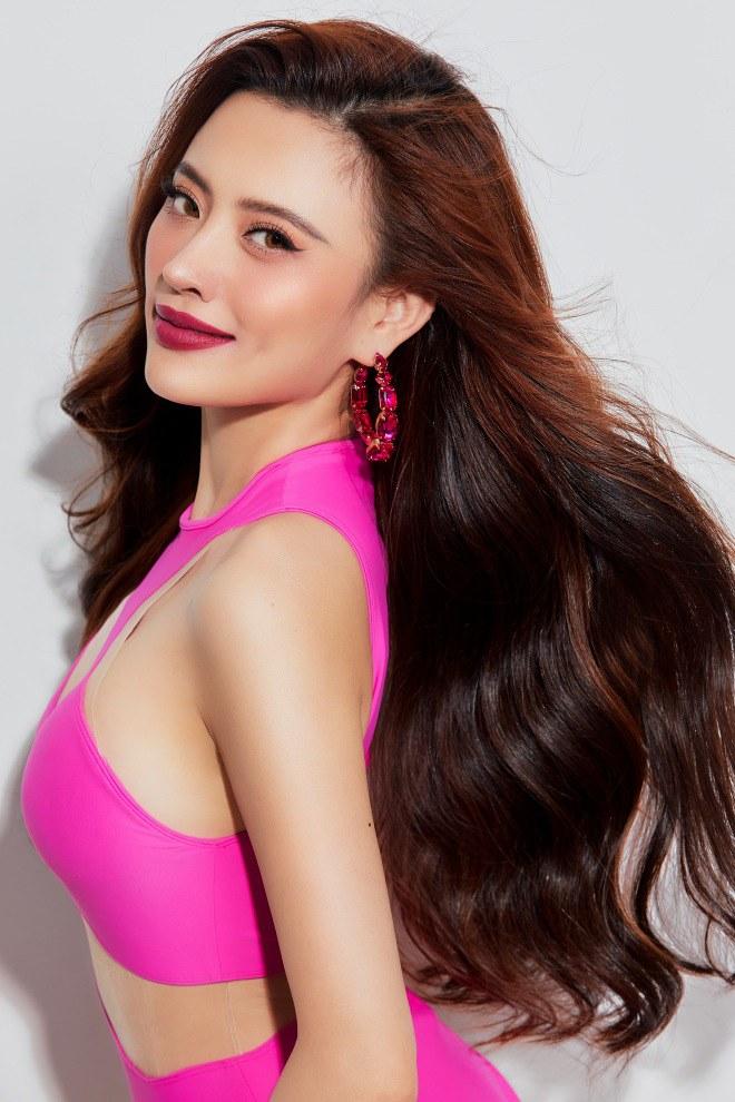Hoa hậu biển Ngô Lan Anh mặc đồ tắm khoe vẻ đẹp nóng bỏng, ngọt ngào hình 1