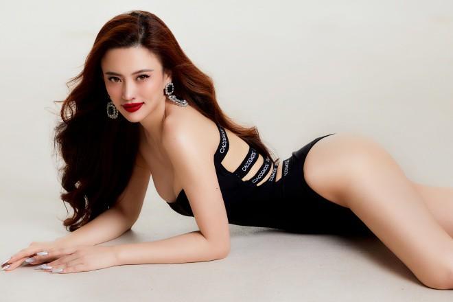 Hoa hậu biển Ngô Lan Anh mặc đồ tắm khoe vẻ đẹp nóng bỏng, ngọt ngào hình 3