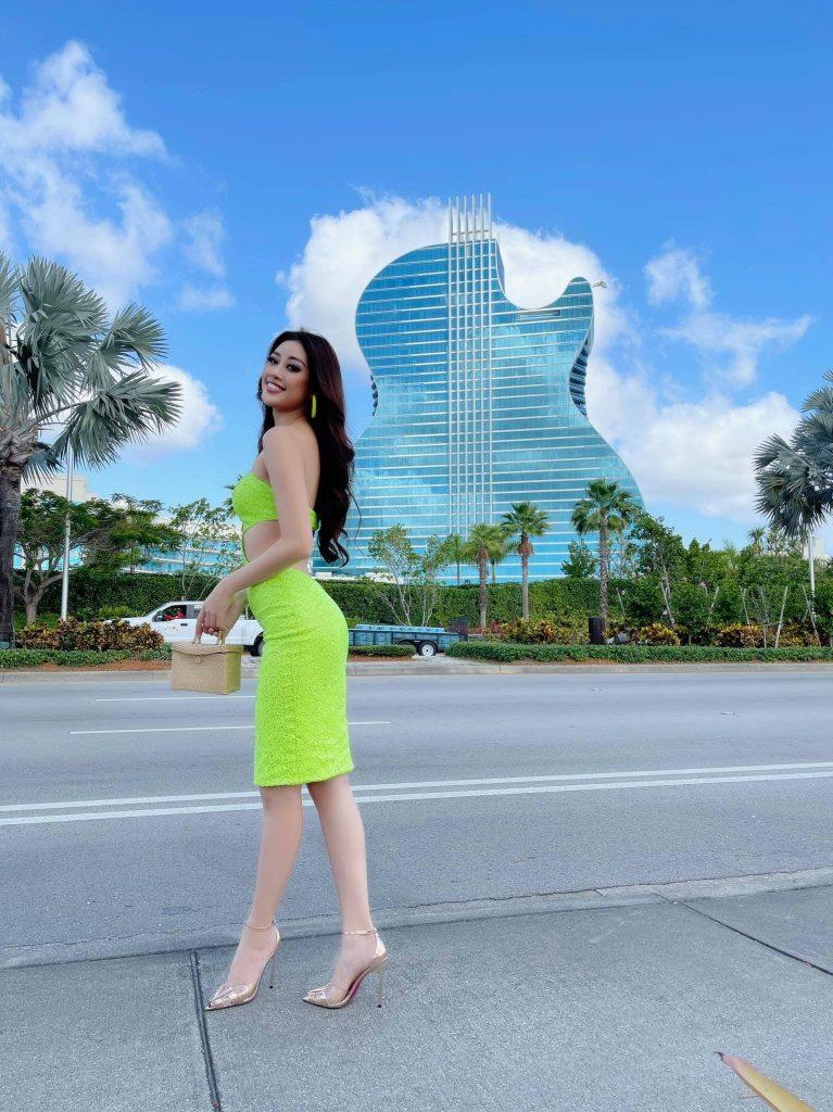 Sau 32 giờ bay Khánh Vân đã có mặt tại nơi diễn ra cuộc thi Miss Universe 2021