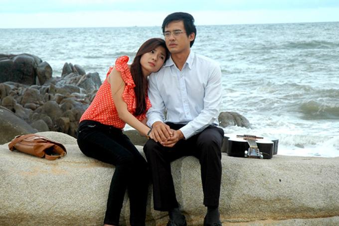 """Lương Thế Thành - Thúy Diễm đóng cặp lần đầu tiên vào năm 2012 phim """"Trái tim hoa hồng"""""""