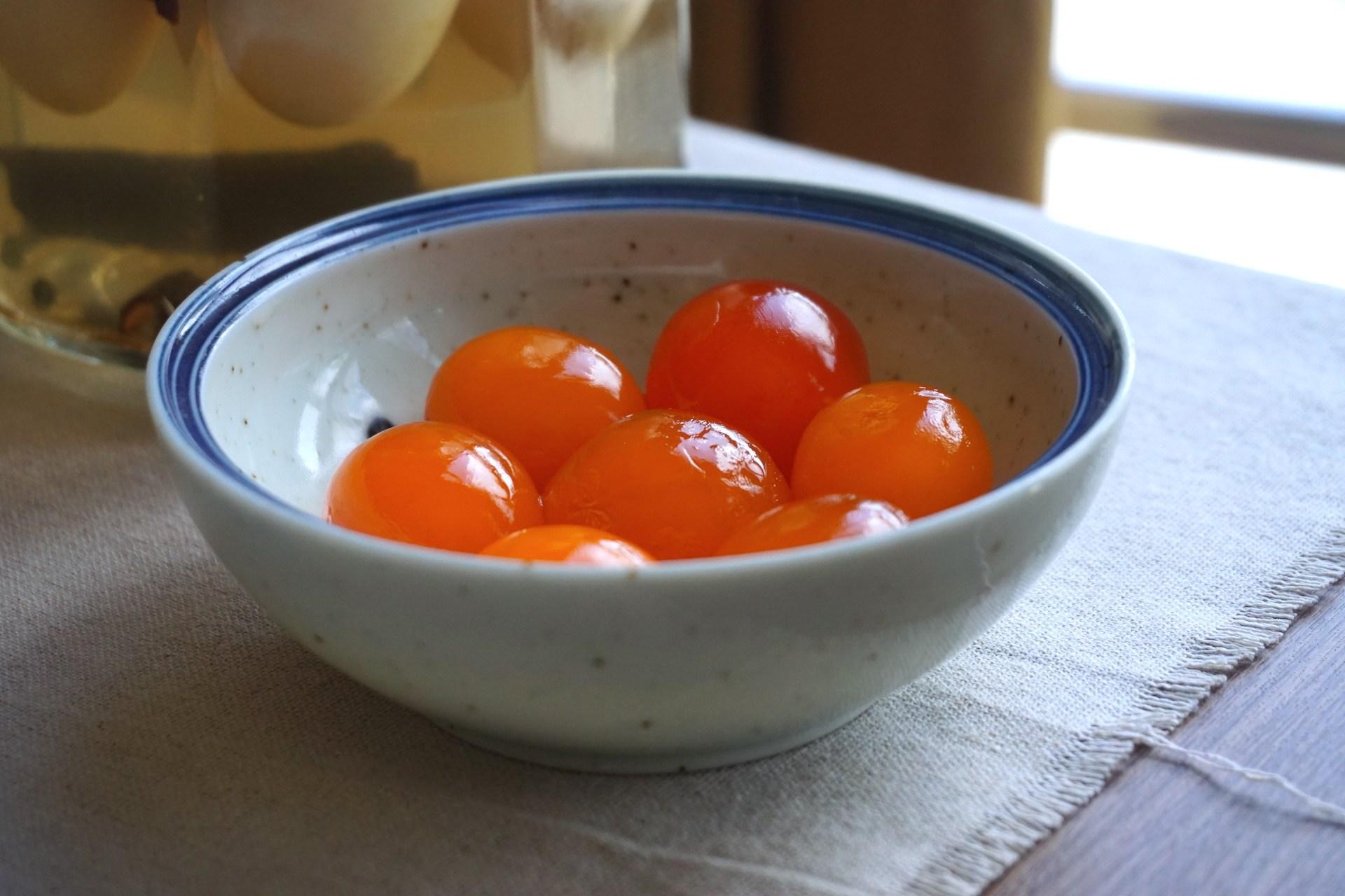 Mách bạn 3 cách làm trứng muối siêu ngon và đơn giản tại nhà