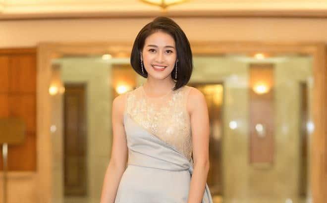 Phí Linh làm MC chương trình The Heroes 2021