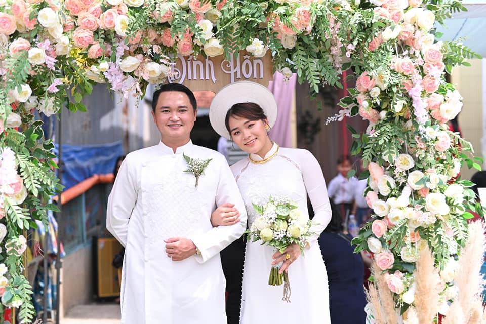 Phạm Ngân Thảo xinh đẹp rạng ngời trong ngày lễ đính hôn