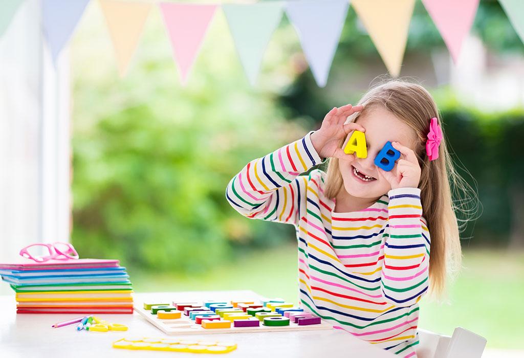Hiệu quả bất ngờ khi trẻ học tiếng Anh qua những trò chơi đơn giản