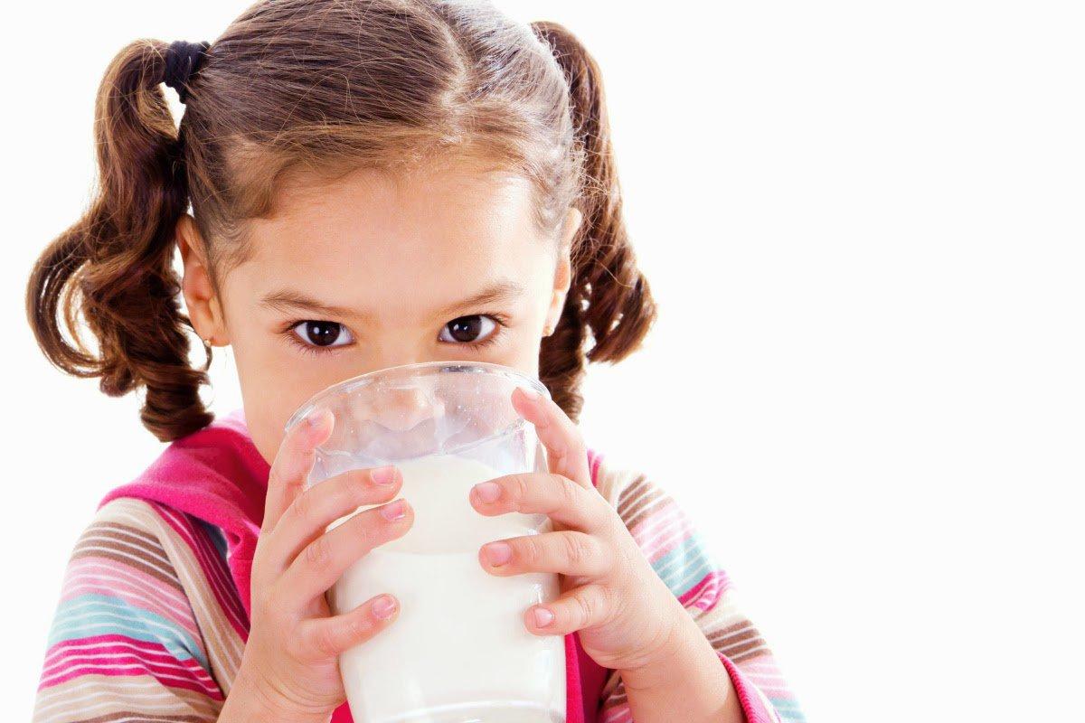 Tác hại của việc cho trẻ uống nhiều sữa mà cha mẹ không hay biết