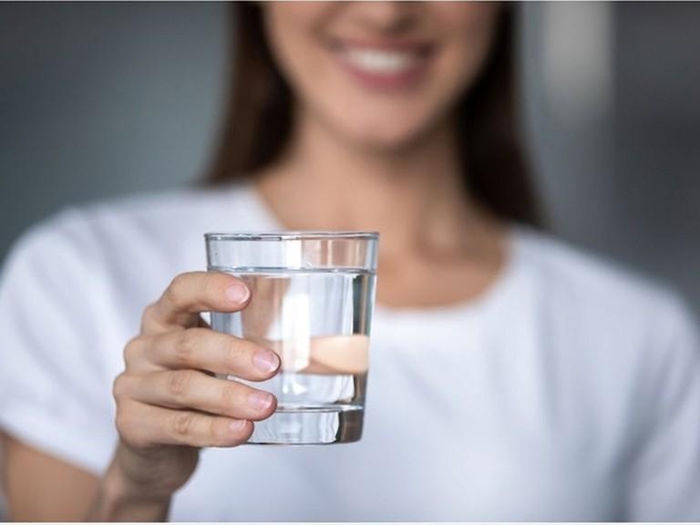Rèn luyện thói quen uống nước mỗi ngày tốt cho sức khỏe