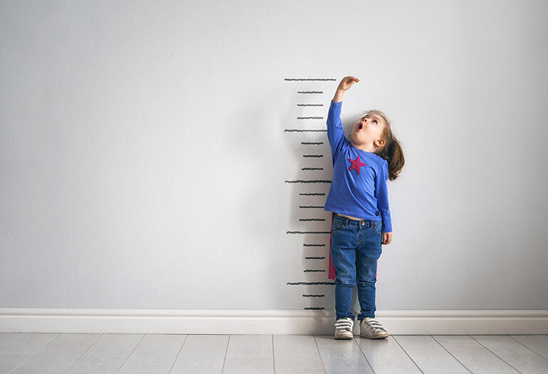 Bố mẹ cần lưu ý những thói quen xấu ảnh hưởng nghiêm trọng đến sự phát triển chiều cao của trẻ