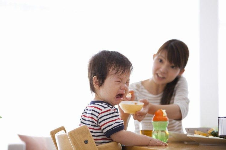 Hậu quả khi ép trẻ ăn, cha mẹ đã biết điều này chưa?