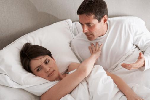 Những lý do phụ nữ khi mang thai quan hệ bị đau rát