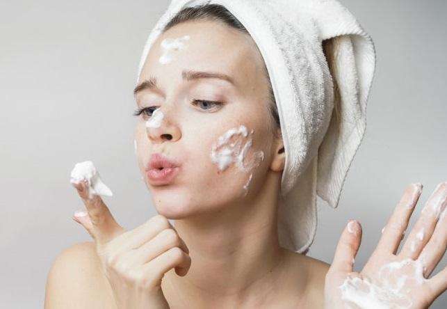 5 sai lầm khi rửa mặt khiến làn da phải kêu cứu