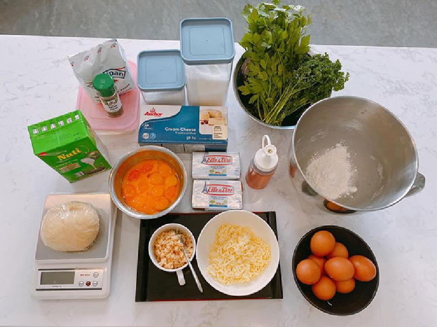 Cách làm bánh mì bơ tỏi phô mai béo ngậy đúng chuẩn Hàn Quốc hình 2