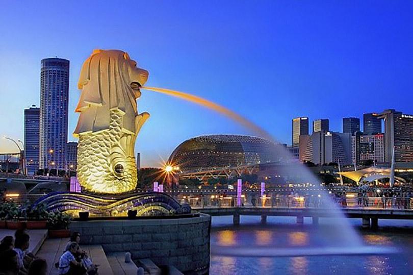 Khám phá bí mật đằng sau tượng sư tử biển đầu cá nổi tiếng Singapore