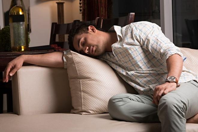 Mắc chứng bệnh lạ, người đàn ông ngủ li bì 300 ngày mỗi năm