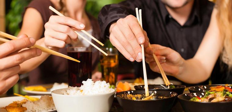 Những điều kiêng kỵ khi ngồi ăn cơm, đừng dại phạm phải nếu không muốn vận hạn liên miên ập tới