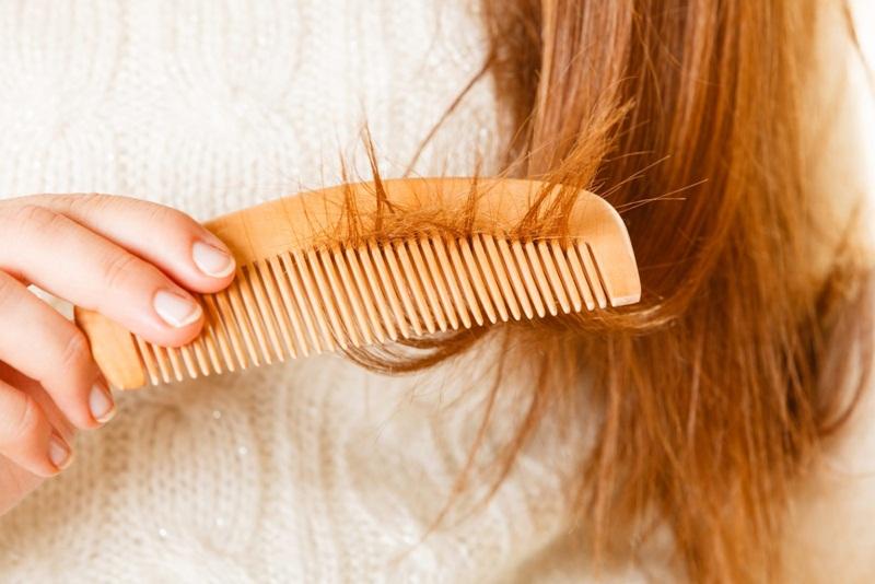Rụng tóc sau sinh có tự hết không? Bao lâu thì hết? hình 3