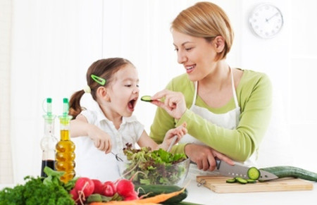 Tuyệt chiêu giúp con thích ăn rau mà cha mẹ không phải suy nghĩ