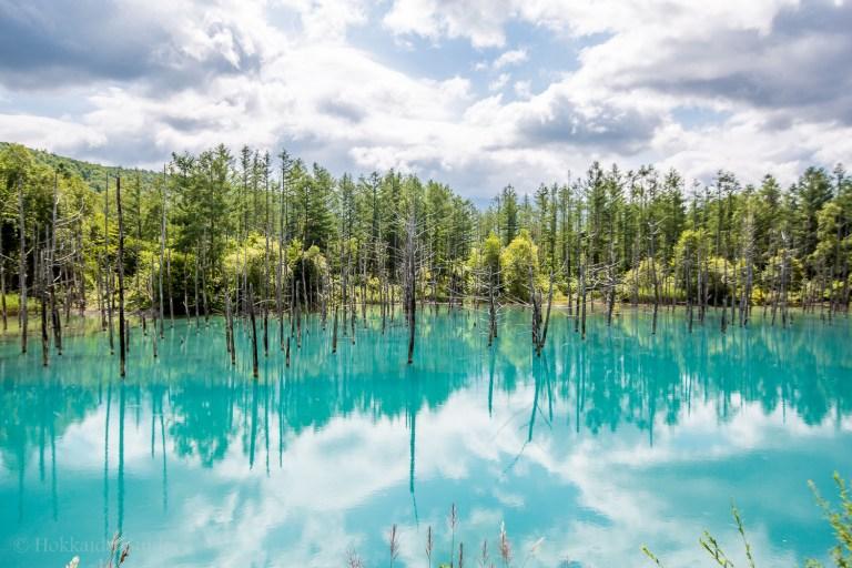Chiêm ngưỡng vẻ đẹp của hồ nước có màu xanh sapphire đẹp
