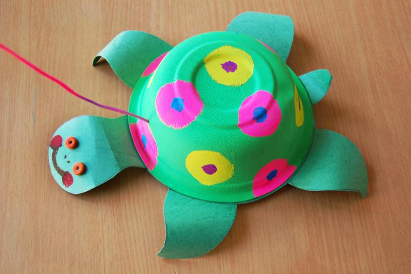 Cùng bé sáng tạo làm con rùa đáng yêu từ những chiếc bát giấy