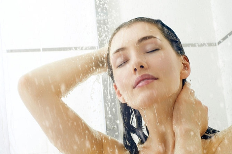Đơn giản như việc tắm nhưng vẫn có người mắc sai lầm làm tổn thương da