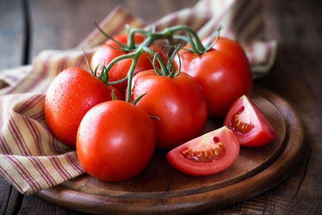 Tưởng ăn cà chua đẹp da nhưng ăn sai cách lại ảnh hưởng không ít tới sức khỏe, sai lầm số 4 nhiều người ngỡ ngàng