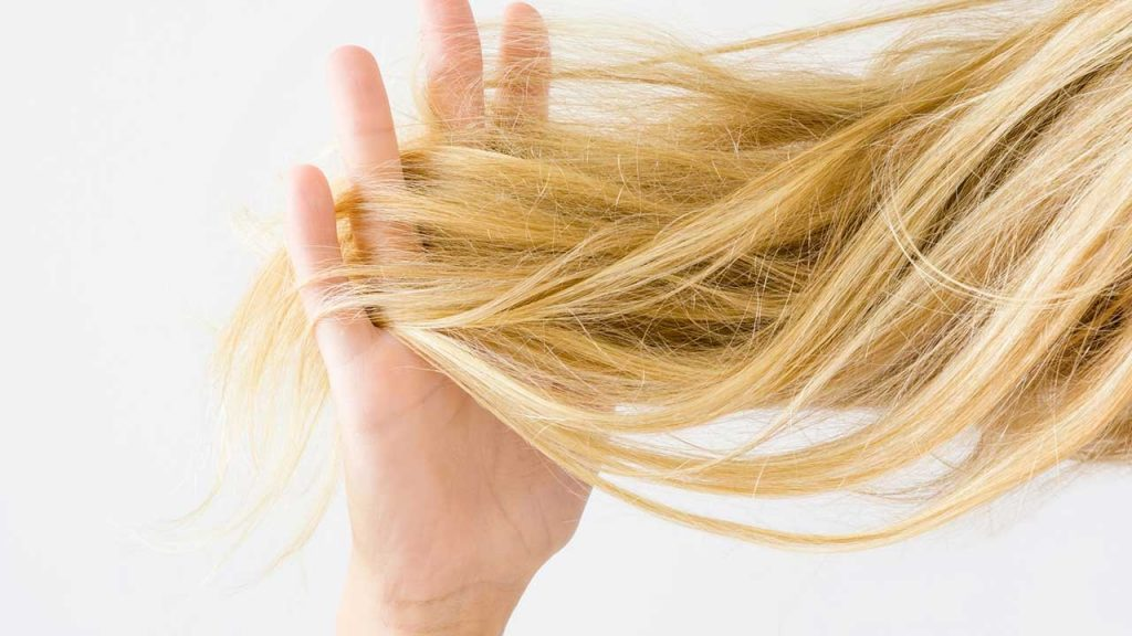 3 chất tóc không nên uốn xoăn vì khó lòng tạo kiểu như ý, còn khiến tóc hư tổn