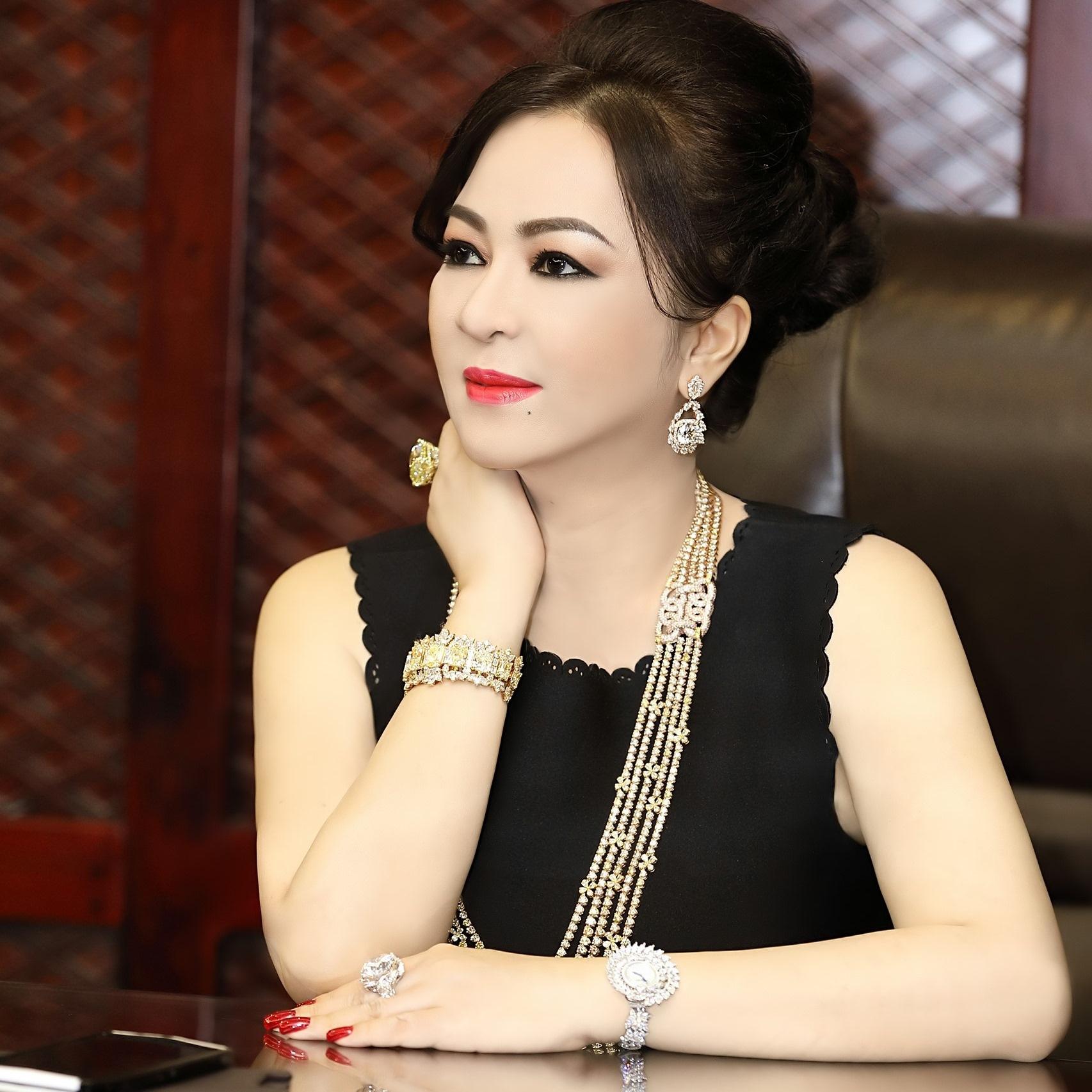 ceo phuong hang