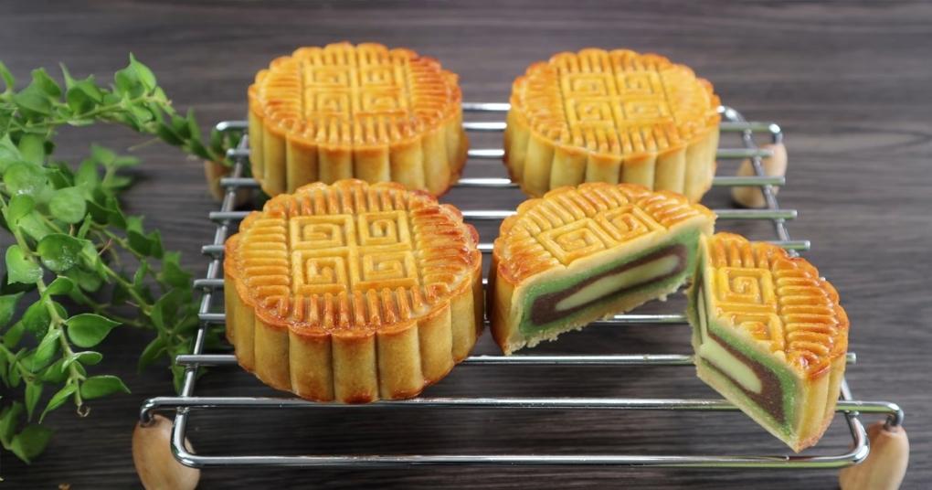 Cách làm bánh Trung Thu 3 lớp nhân đậu xanh ngon bất bại bằng nồi chiên không dầu