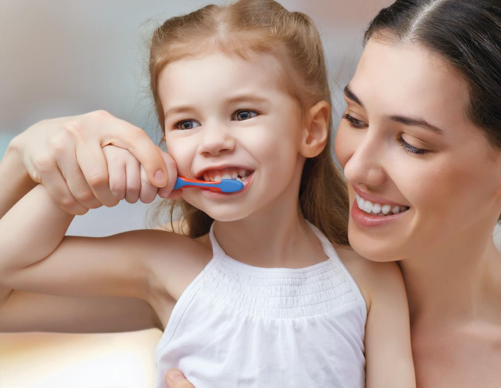Dạy bé đánh răng đúng cách với tuyệt chiêu cực kỳ đơn giản, bố mẹ đã biết chưa?