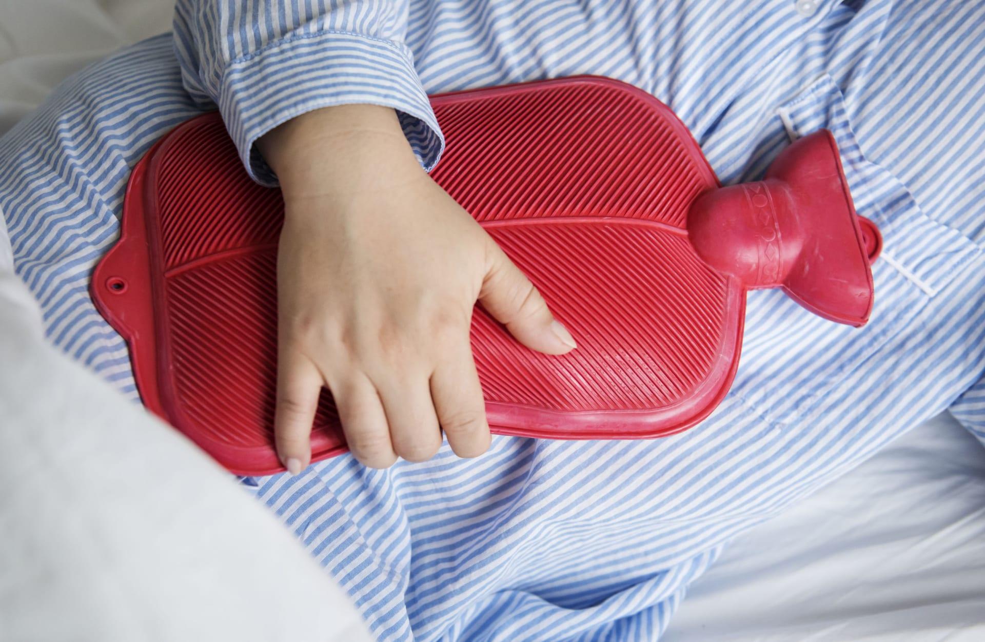 Cách khắc phục chứng đau hông khi mang thai : Chườm nóng